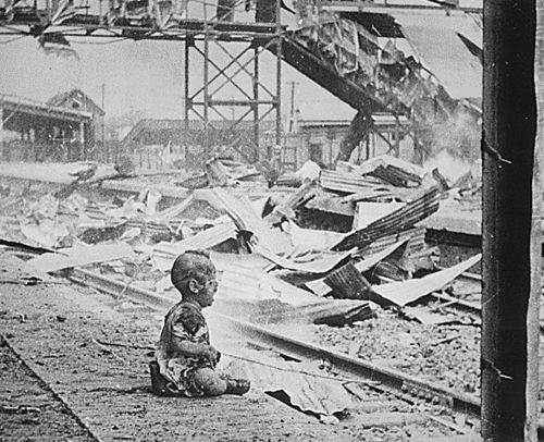 War_shanghai-baby_Japan_bombing_shanghai_south_station_1937