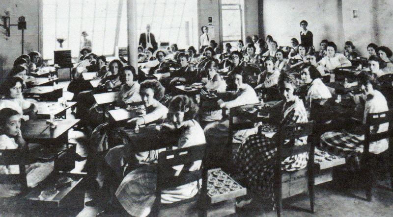 Radium women 2384