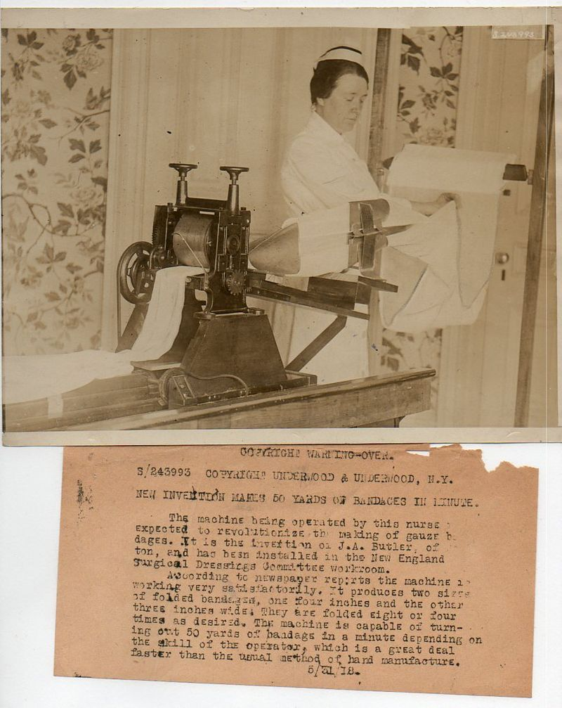 WWI--e--women-bandage maker671