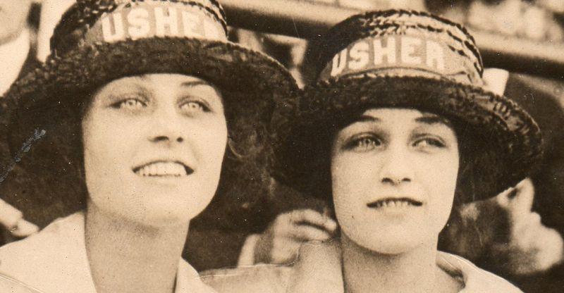 WWI--e--women usher dets685