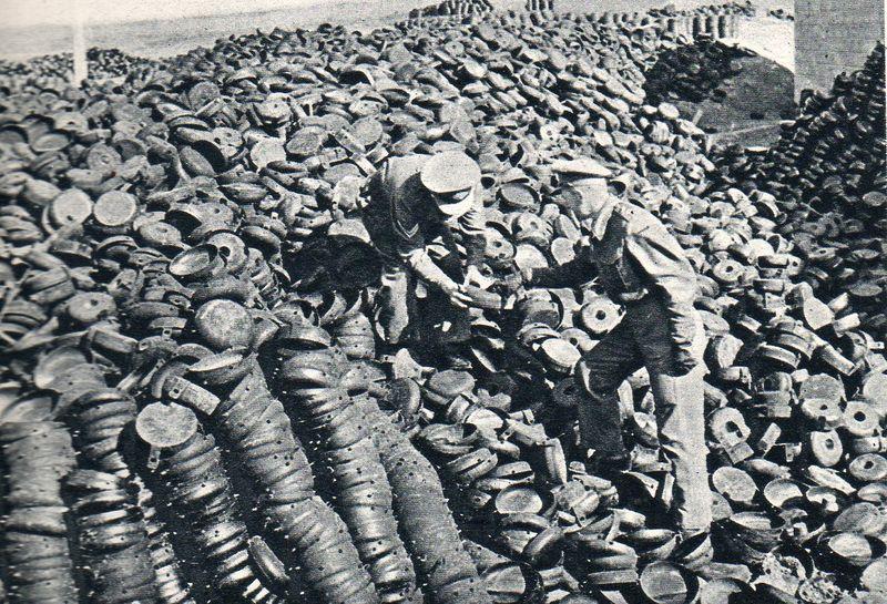 Land mines004
