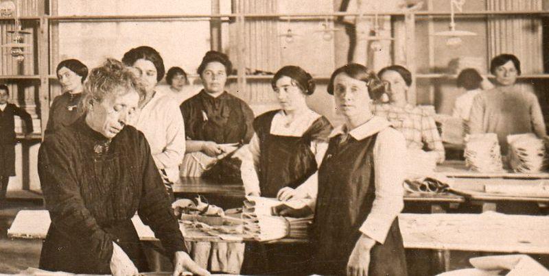 WWI--e--women italy det681