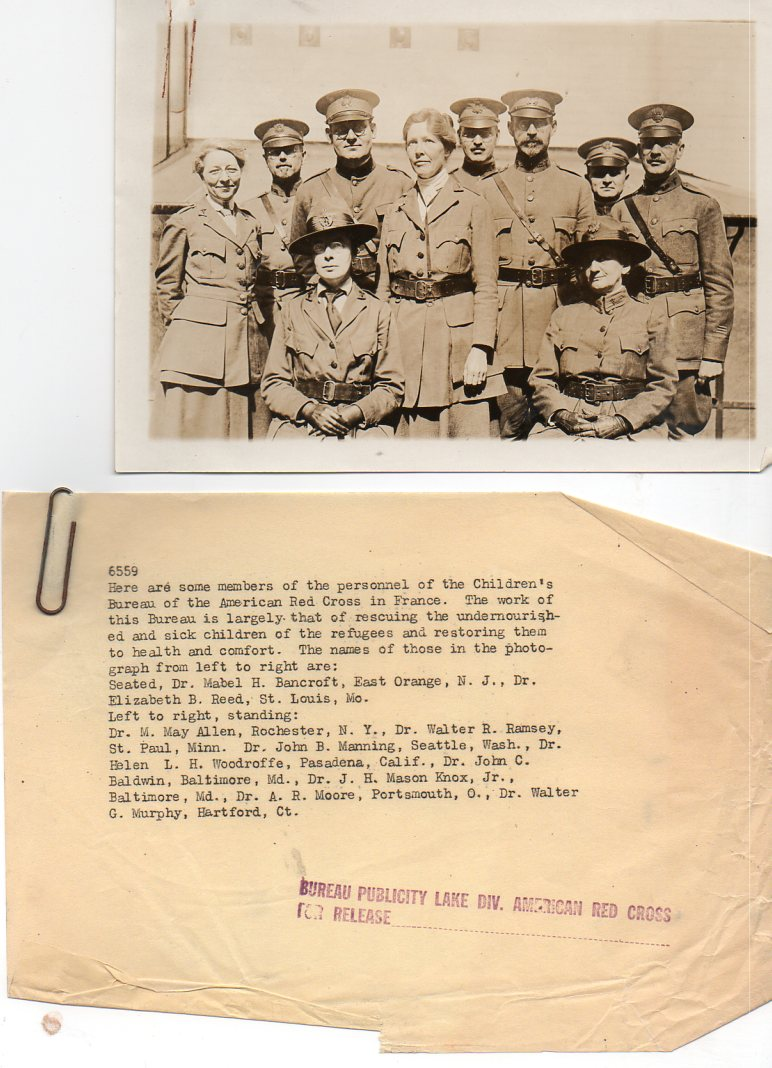 WWI--e--women red cross france691