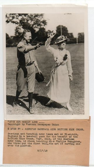 WWI--e--women-baseball672