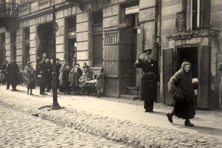 Warsaw ghetto jewish policeman
