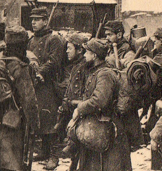WWI photogravure--soldiers waiting det061