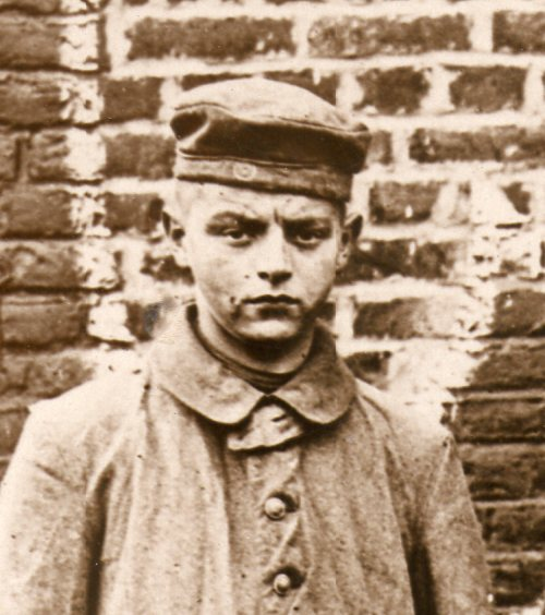 WWI photograph--german prisoners boy067