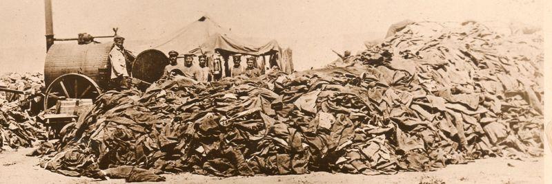 World War I photos--empty uniforms det288