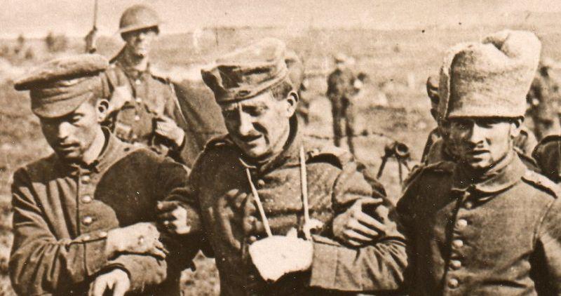 WWI--German prisoners--marching 330