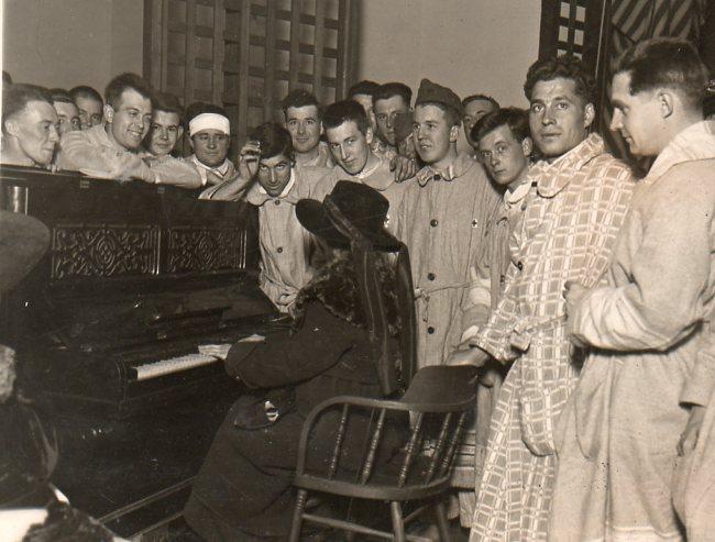WWI  piano246