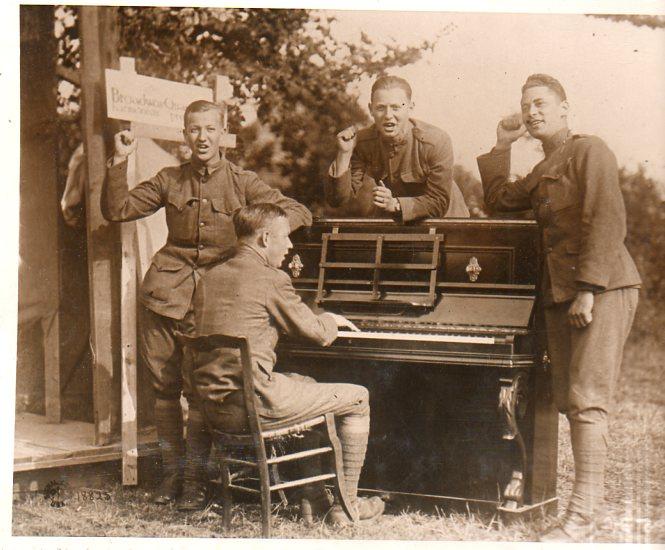 WWI  piano250