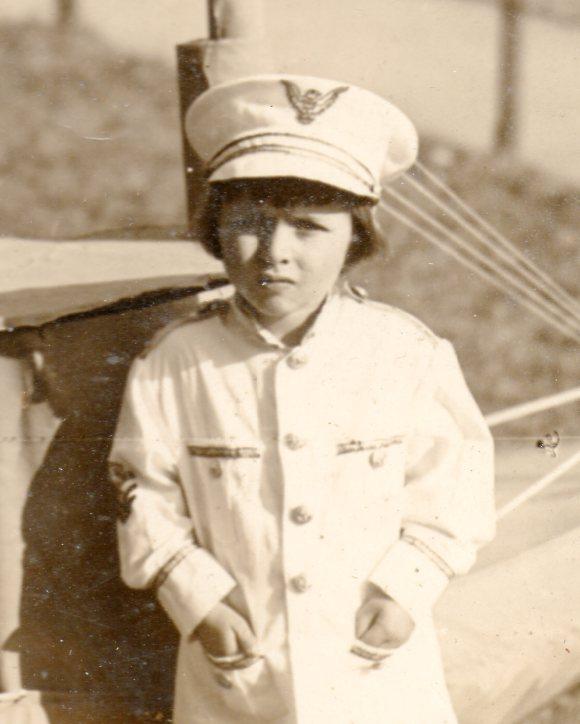 WWI photo--girl submarine250