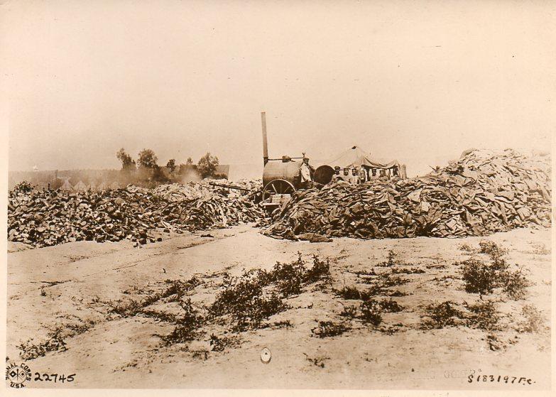 World War I photos--empty uniforms287