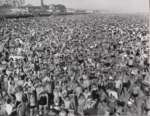 Weegee_-_Coney_Island-big