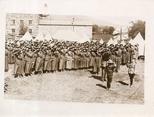 WWI Photo WOmen saluting173