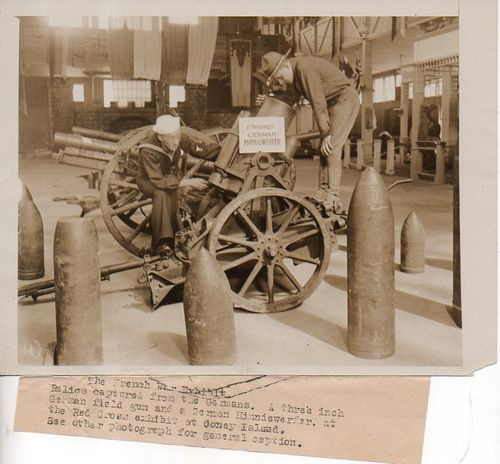 WWI Photo Captured German artilleryh177