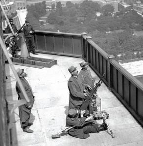 WWI Eiffel tower AA gun