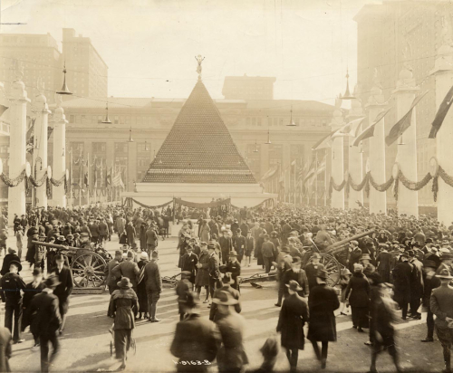 WWI Project Pyramid of captured German helmets, New York, 1918 (1)