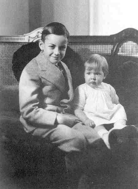 Scientist childhood pics feynman
