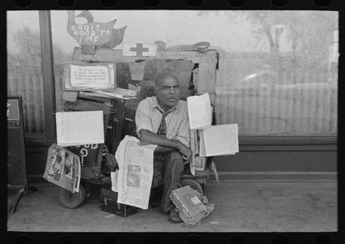 Newsstand--Russell Lee--Memphis Bookstand large