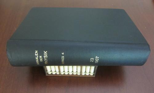 Einstein 1907 full book